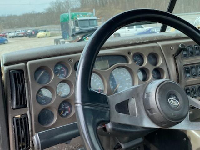 2007 MACK DAY CAB TRUCK